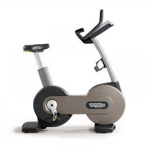 Bicicleta Reclinada TechnoGym Segunda Mano TV